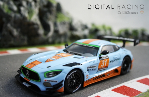 Carrera Digital 132 Mercedes-AMG GT3 Gulf Racing No.31